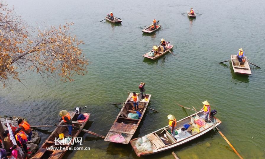 怀来官厅湖撒网捕鱼喜迎首届中国农民丰收节