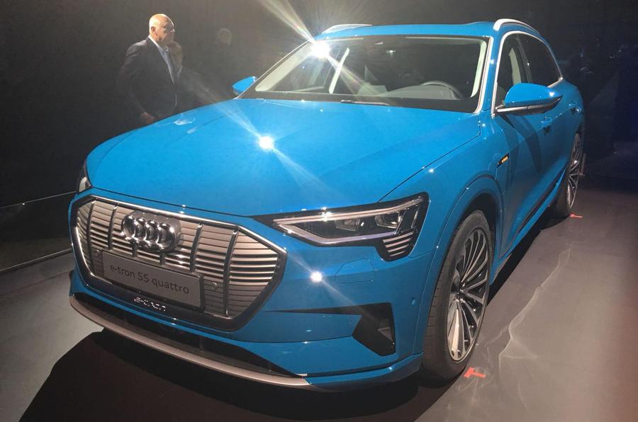 奥迪发布首款纯电动汽车e-tron 续航达400公里