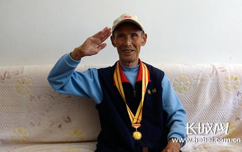 河北省志愿服务联盟看望94岁抗战老兵罗镒
