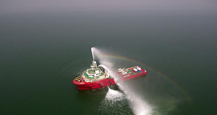 【忙碌的身影最美丽】北纬39度的海上守护