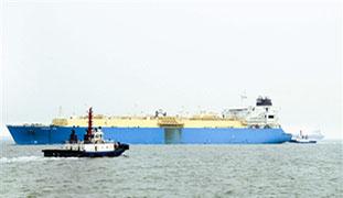 曹妃甸港冬季首艘LNG船
