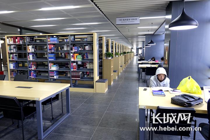 """河北医科大学的""""高颜值""""图书馆火了!阅读情怀可以从这里产生"""