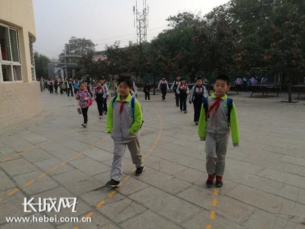 """邯郸逸夫艺术小学自行设计""""安全行走路线"""""""