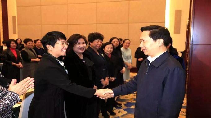51位河北省妇女代表就要进京啦!省委副书记赵一德这样叮嘱大家……