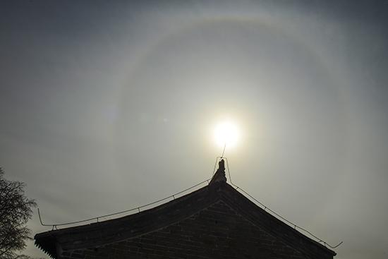 金山岭长城现日晕景象