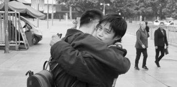 男子打工被骗在外漂泊18年 热心民警多方努力助其回家