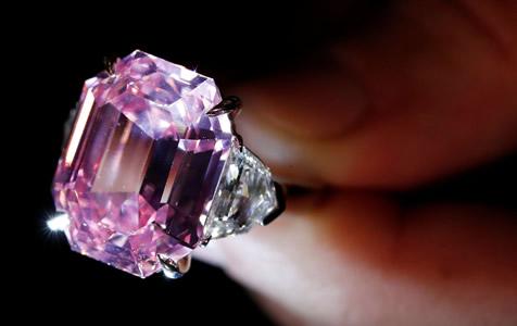 佳士得将拍卖18.96克拉粉红钻石 价格有望刷新纪录