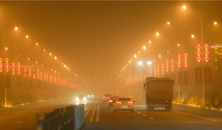 【高清组图】大雾红色预警中的石家庄