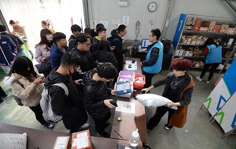 河北邯郸:双十一过后 高校迎来快递潮