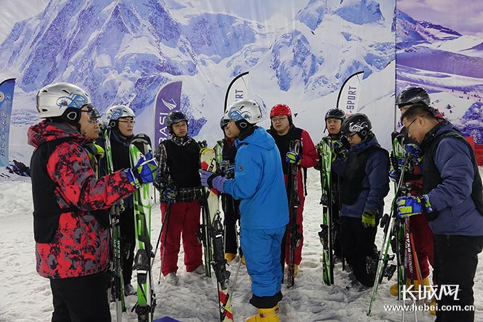 河北启动冬奥医疗保障人员滑雪技能培训工作