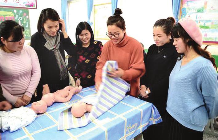 肥乡区加大对农村妇女的技能培训