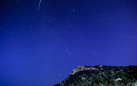 双子座流星雨在12月14日到达高峰期