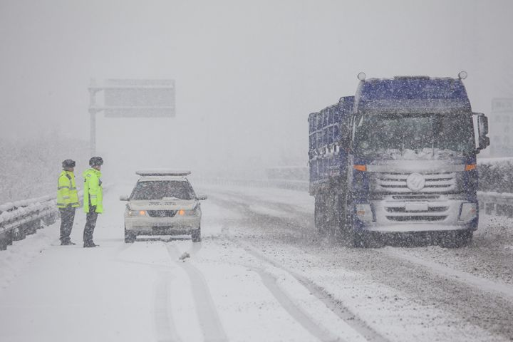 雪来啦!河北多个高速站口关闭