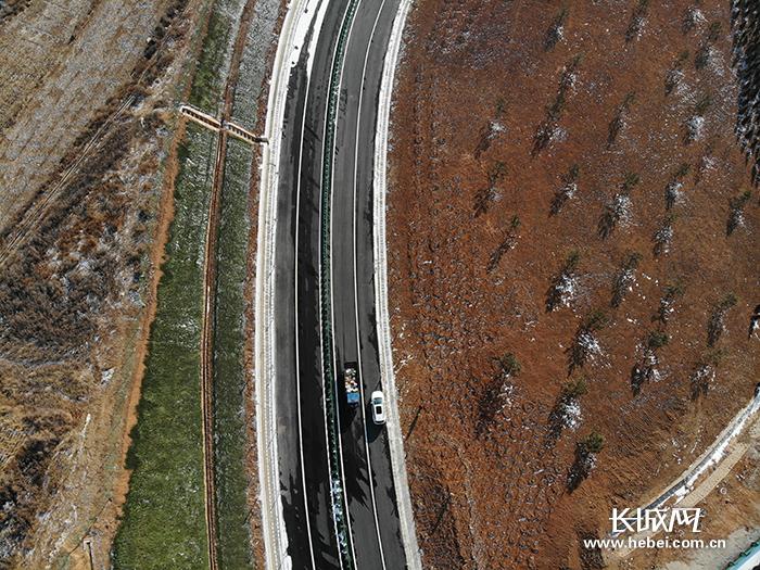 【转载】太行山高速公路开通试运营邢台沿途百姓:好日子上了路