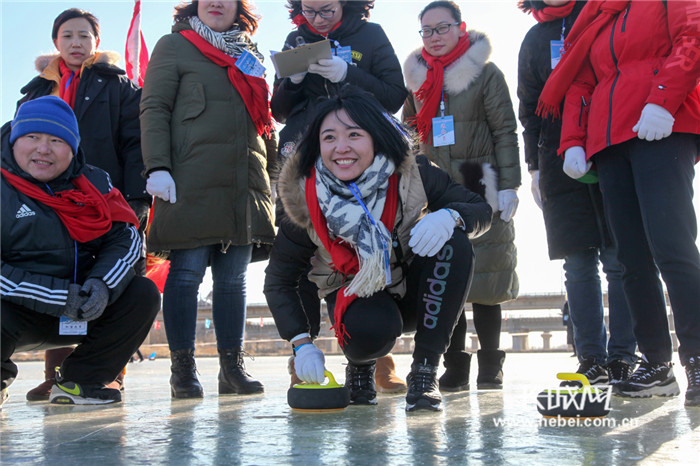 纵情冰雪 助力冬奥——山海关冬季群众体育活动火热进行