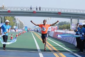 2018衡水马拉松落幕 埃塞俄比亚选手包揽男女全程冠军