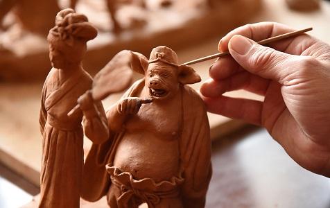 河北邯郸:农民艺人的泥人梦 29年创作3000件作品