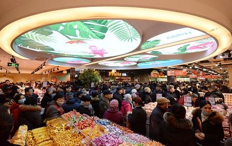 河北邯郸一大型超市开业 现场人山人海场面赛春运