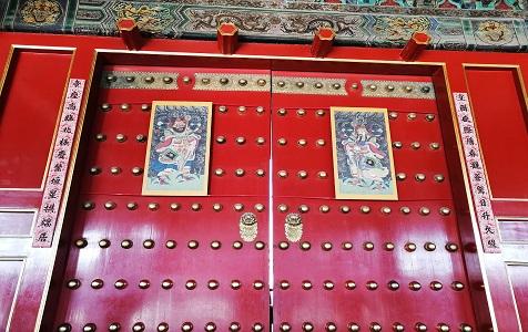 北京:故宫贴春联纳福迎新春 满满喜庆节日气氛