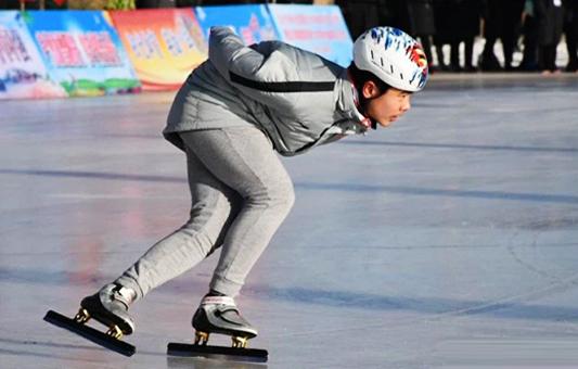 5省市青少年齐聚沽源 体验冰上运动