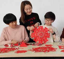 唐山丰润:巧手剪纸迎新年