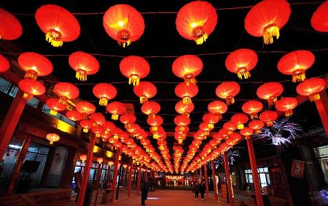 河北张家口:各式灯笼点亮新春庙会
