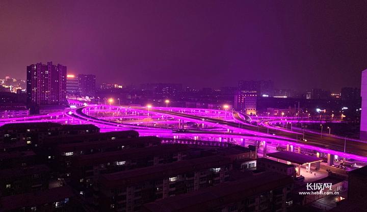 """李大爷2019年春节的""""夜生活"""""""
