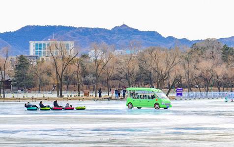 河北承德:避暑山庄里的冰雪季