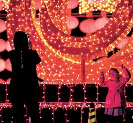 【新春走基层】汉沽:火红灯笼高高挂 张灯结彩贺新春
