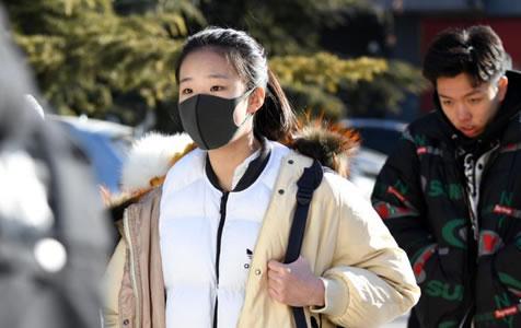 北京電影學院藝考啟動 寒風中考生追求夢想