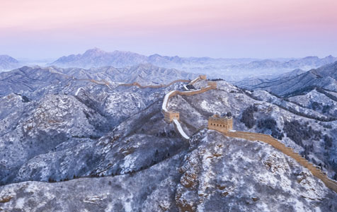 航拍雪后金山岭长城 银装素裹分外妖娆
