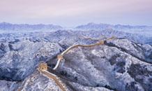 航拍雪后金山岭长城