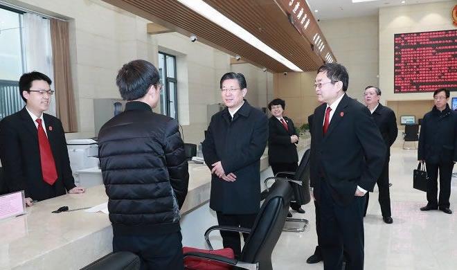 王东峰到省政法系统机关和基层单位调研检查