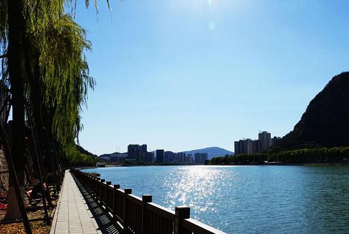 治理一条河 蜕变一座城
