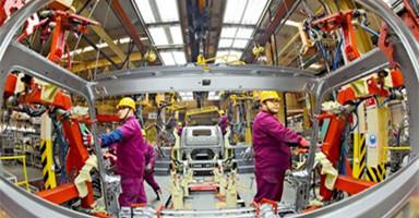 中国新车销量1月下降15.8%