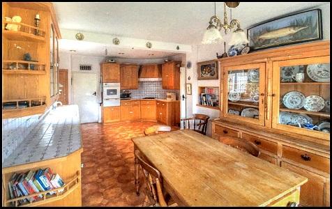 英国全新豪宅出售 坐拥无敌海景和乡村花园景观