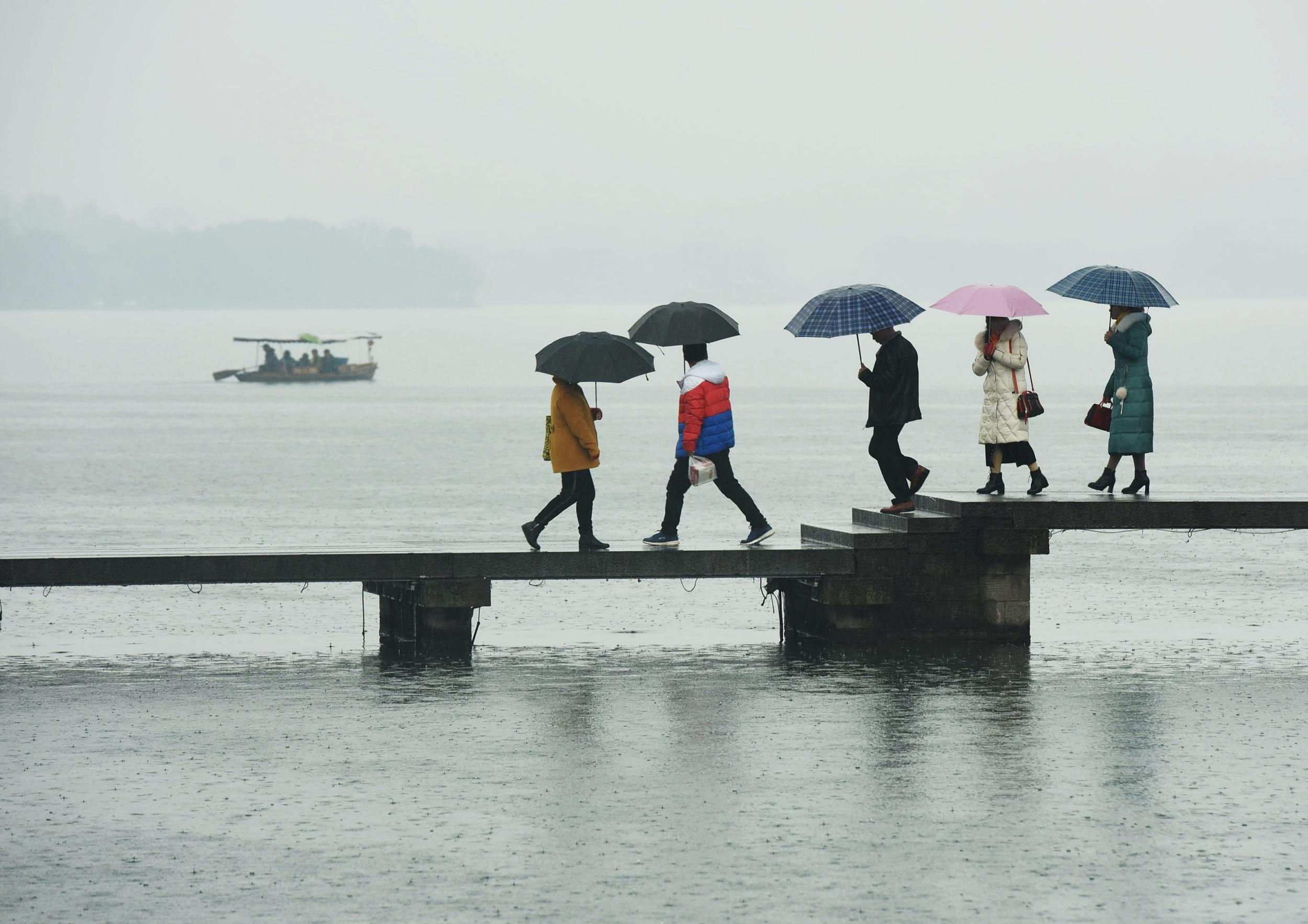 厄尔尼诺带来气候异常 杭州再度迎来持续降雨