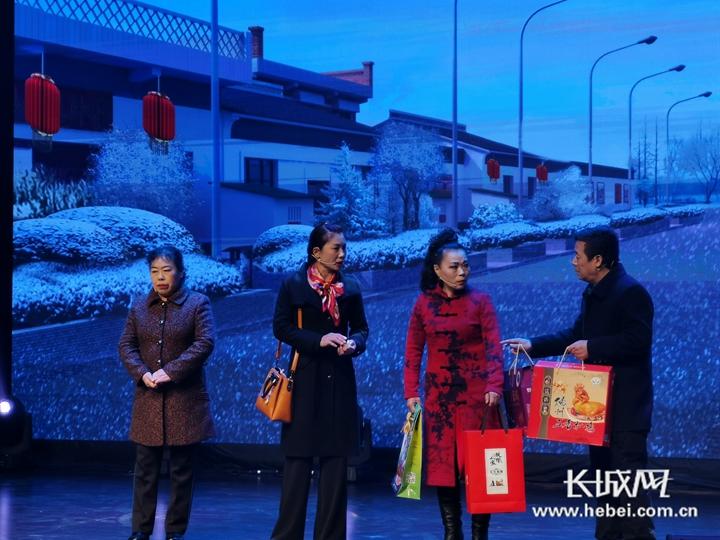 """演小品、说快板、唱大鼓...这样普法很特别!看京津冀三地妇女如何""""笑着学法"""""""