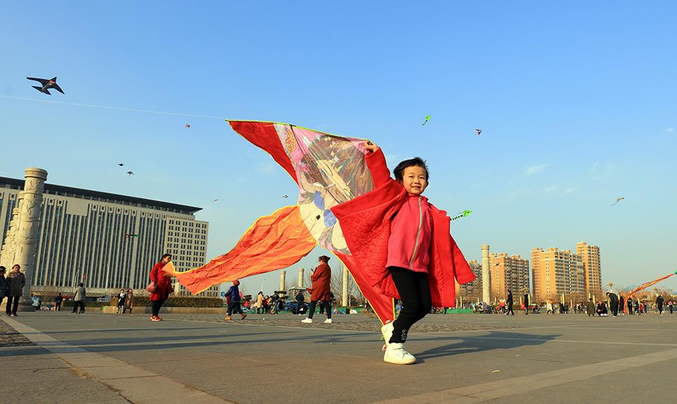 河北滦南:春光好,放风筝