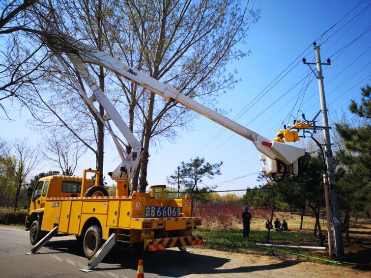迁安供电公司:实施电网改造 优化营商环境