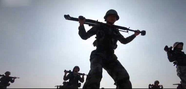 女狙击手是怎样炼成的?狙击女兵:我们不比男兵差