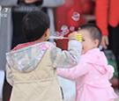 《中国武警》晒晒山村幸福感