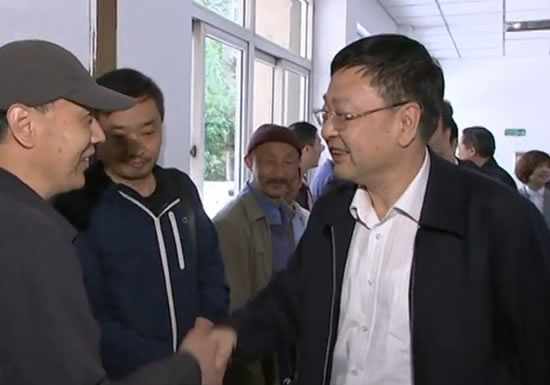 焦彦龙到河北演艺集团和河北影视集团调研