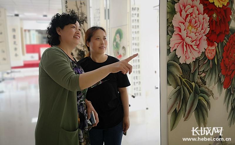 黄骅市举办老年大学开学典礼暨首届中老年书画展