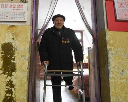 英雄无言——95岁老党员张富清的本色人生