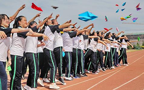 秦皇岛:学生快乐减压迎高考