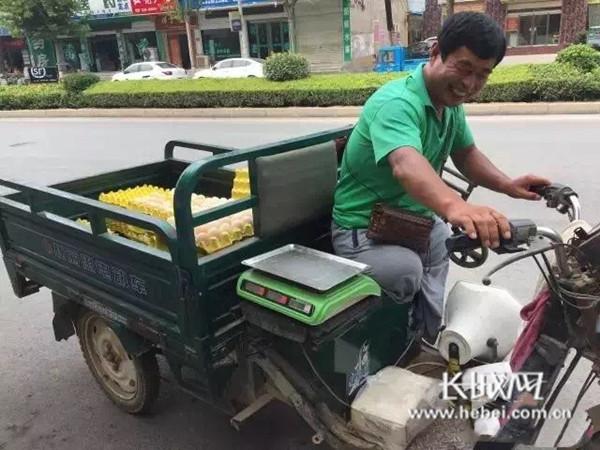 广平县无腿励志鸡蛋哥:接受扶贫帮助但更愿自力更生
