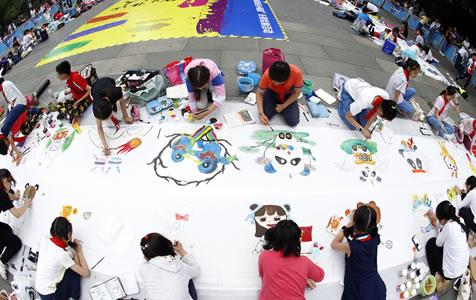 杭州100名小画家一起为亚运描绘心中的吉祥物
