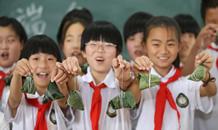 河北平鄉:包粽子迎端午