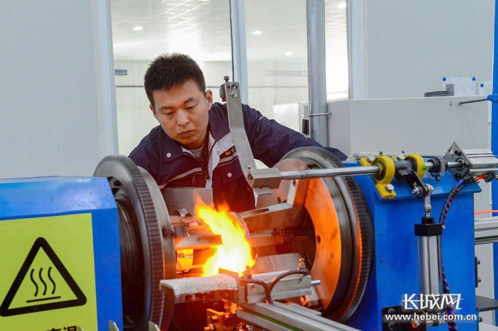 威县:壮大清洁能源产业 推动经济绿色发展